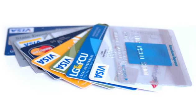 Выгодные банковские карты для путешествия и жизни за рубежом