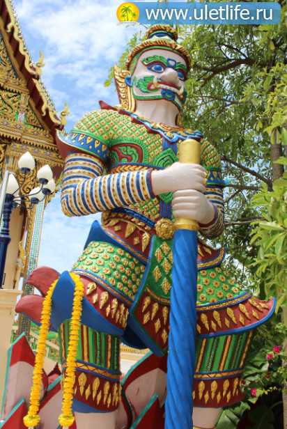 hram-wat-plai-laem-na-samui